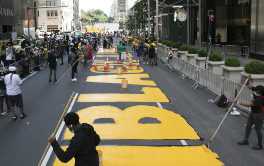 "NYのパワフルな""Black Lives Matter""壁画アート_b0007805_01404052.jpg"