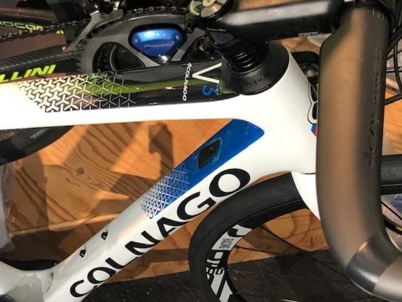 【販売中】COLNAGO  V3DISC Di2 ※新車_d0338933_10342219.jpg