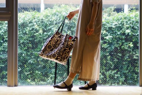 シンプルな「relax bag」はファブリックが主役_e0243765_00314754.jpg
