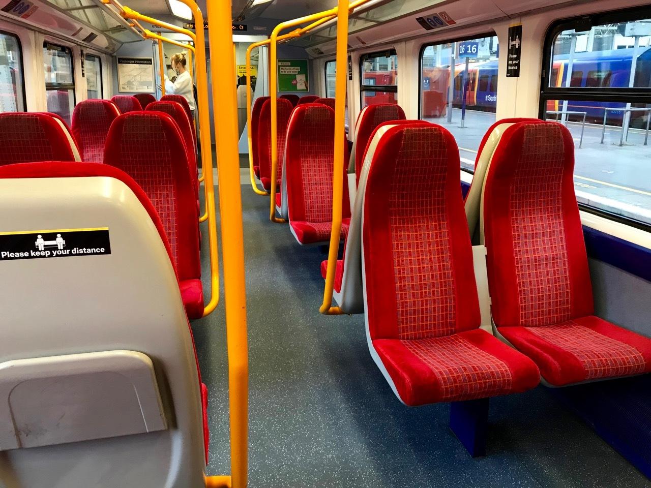 4ヶ月ぶりに乗ったバス、電車、地下鉄_e0114020_19220896.jpg