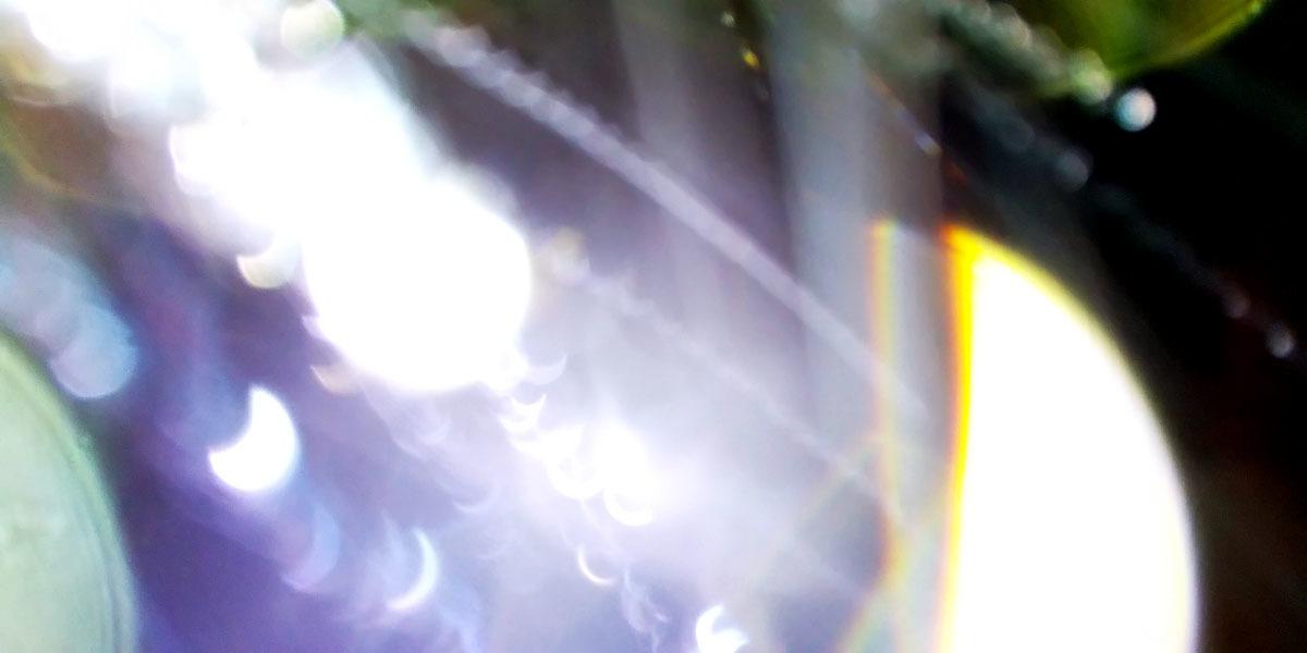 旧スマホが写すエネルギー体_c0331825_12024279.jpg