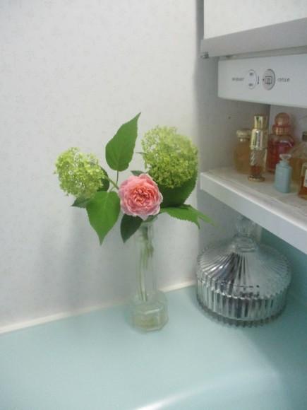 お花を飾って3人でランチ会_a0279743_22030207.jpg