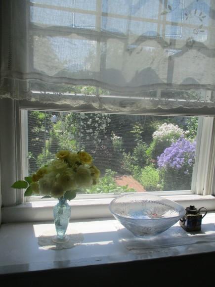 お花を飾って3人でランチ会_a0279743_22033627.jpg
