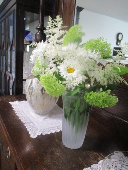 お花を飾って3人でランチ会_a0279743_22040434.jpg
