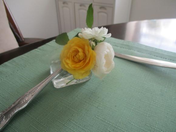 お花を飾って3人でランチ会_a0279743_22085544.jpg