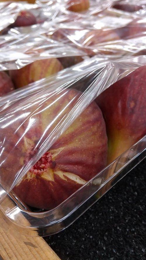 旬の果物「イチジク」!_c0141652_13393181.jpg