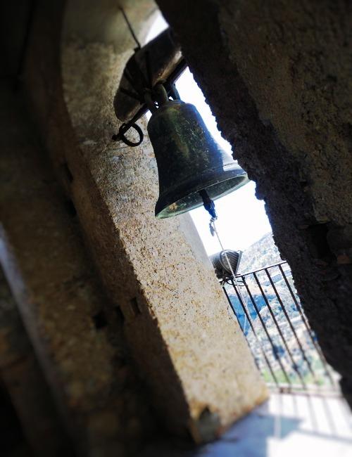 ペンテダッティロ 悲劇を背負い廃墟と化した奇岩の村_f0205783_15273359.jpg