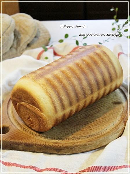 鮭むすび弁当とパン焼きと~♪_f0348032_17213680.jpg