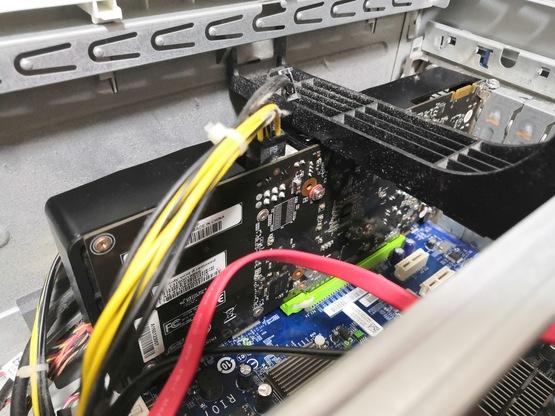 50インチ4Kモニターを買った_c0105957_21342881.jpg
