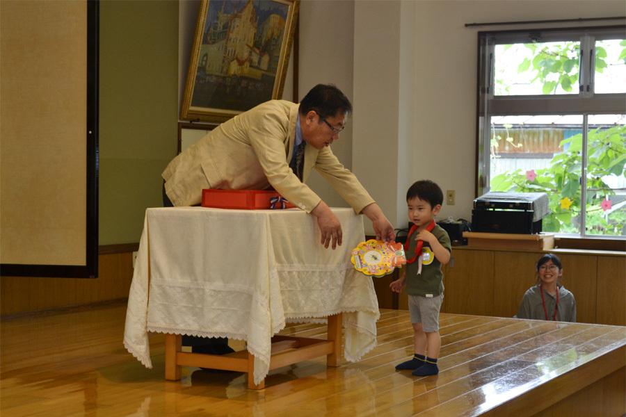 上宮第二幼稚園のお誕生会でした。_d0353789_11525702.jpg