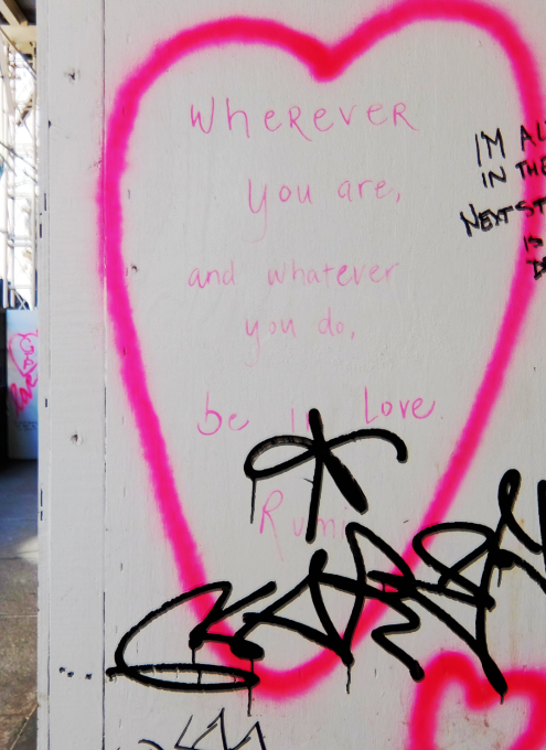 NYの街角に人々を笑顔にするハート・アート急増中、 Eva HustonさんのThe Chalk Jungle_b0007805_22474023.jpg
