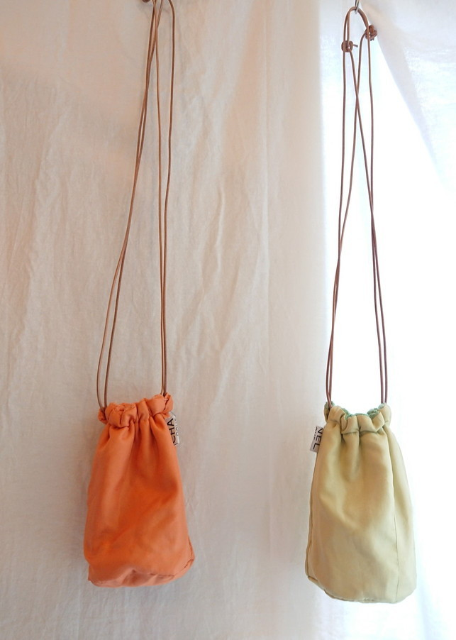 Chanel tweed reversible drawstring bag :2_f0144612_12441011.jpg