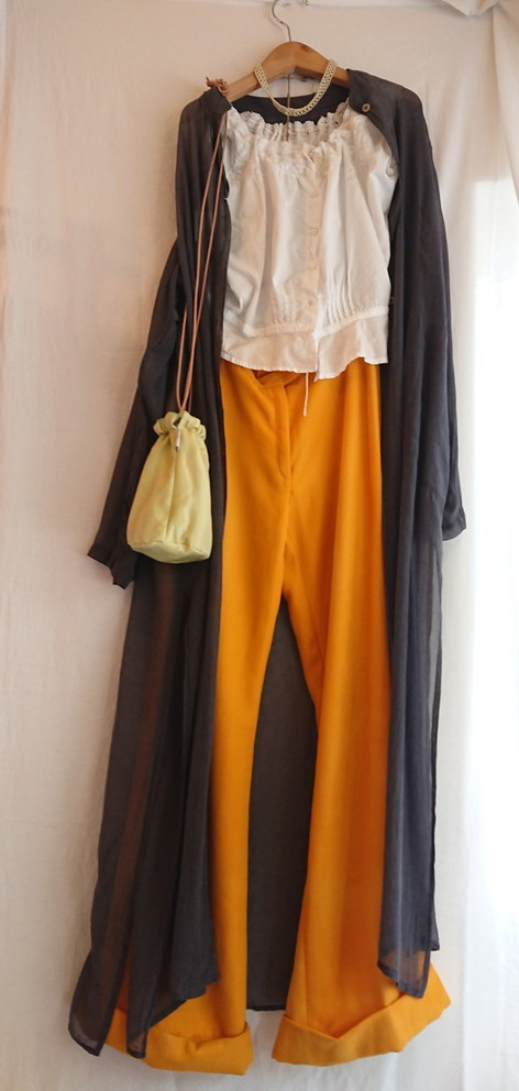 Chanel tweed reversible drawstring bag :2_f0144612_12442664.jpg