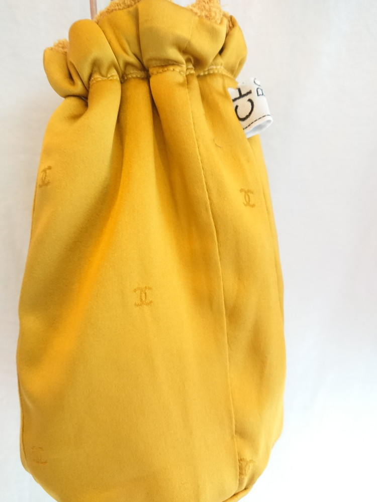 Chanel tweed reversible drawstring bag :3_f0144612_13015170.jpg
