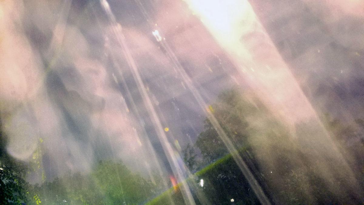 旧スマホが写すエネルギー体_c0331825_03514632.jpg