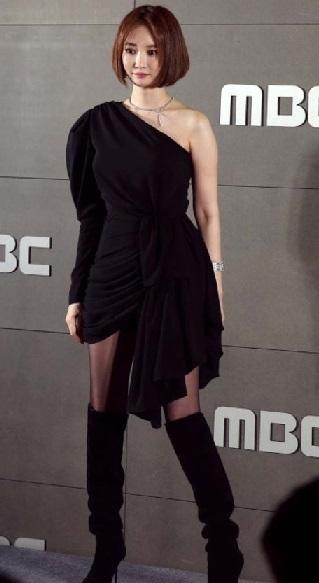 ショートヘアの似合いすぎる女優 コ・ジュニ (ファッショニスタ)メイクが可愛い!バーニングサン事件でとばっちり_f0158064_19240847.jpg