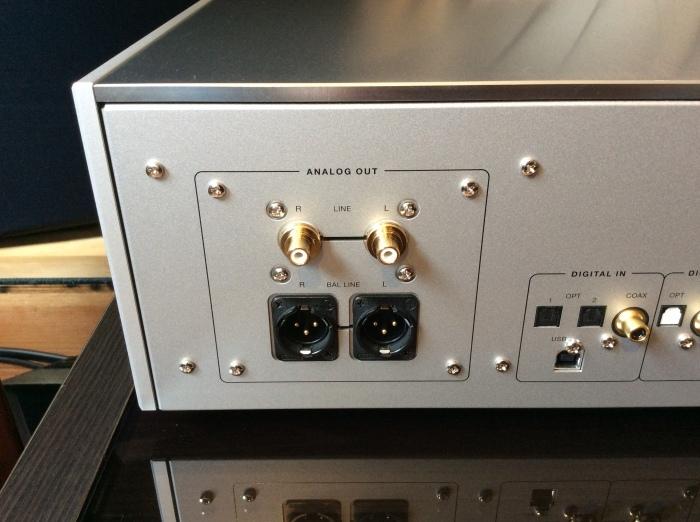 LUXMAN(ラックスマン)のSACD/CDプレーヤーのフラグシップ D-10X を試聴いたしました。_b0292692_14352412.jpg