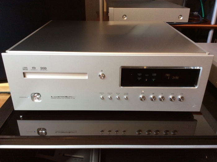 LUXMAN(ラックスマン)のSACD/CDプレーヤーのフラグシップ D-10X を試聴いたしました。_b0292692_14352525.jpg