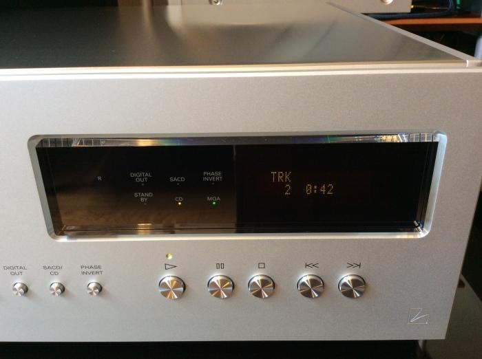 LUXMAN(ラックスマン)のSACD/CDプレーヤーのフラグシップ D-10X を試聴いたしました。_b0292692_14352563.jpg