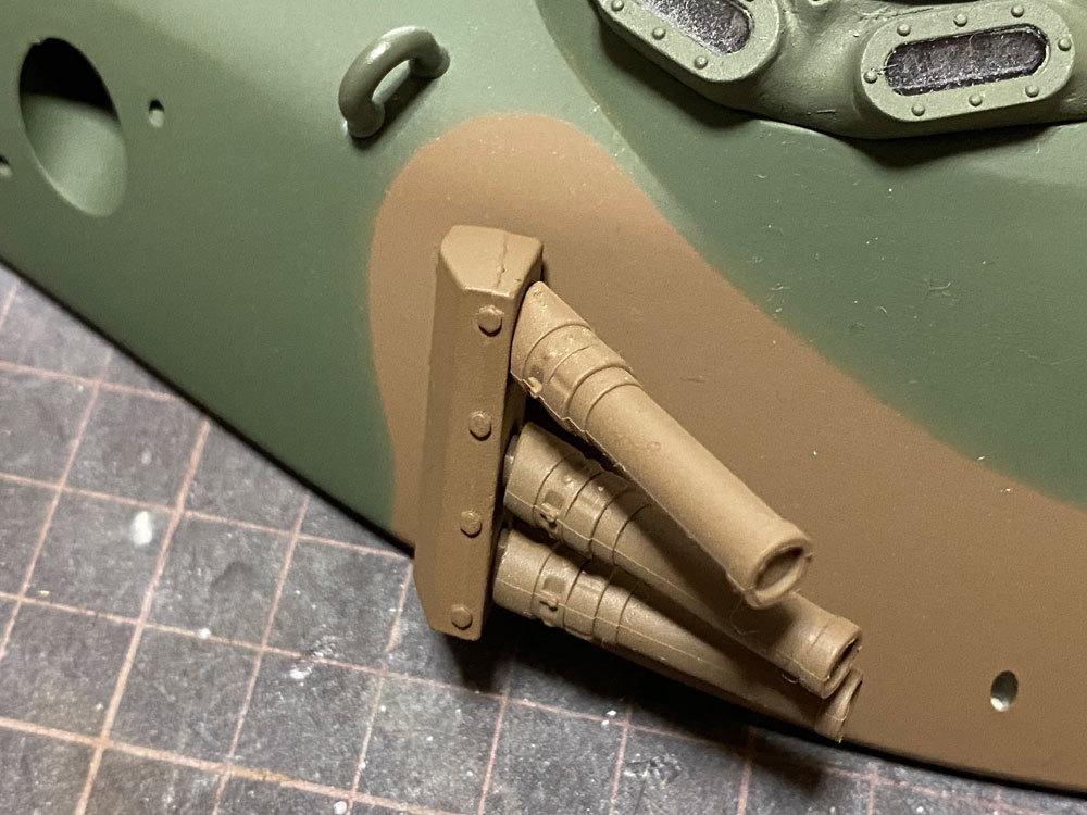 アシェット 74式戦車をつくる 5 (スモークディスチャージャー)_a0352357_14490446.jpg