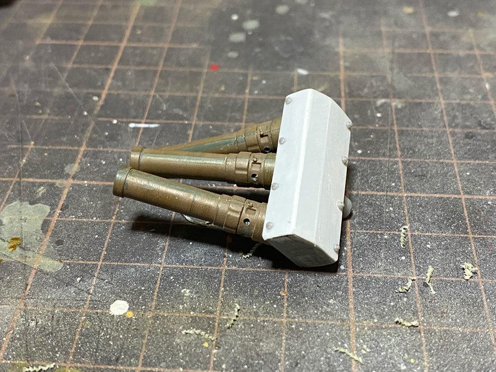 アシェット 74式戦車をつくる 5 (スモークディスチャージャー)_a0352357_14531412.jpg