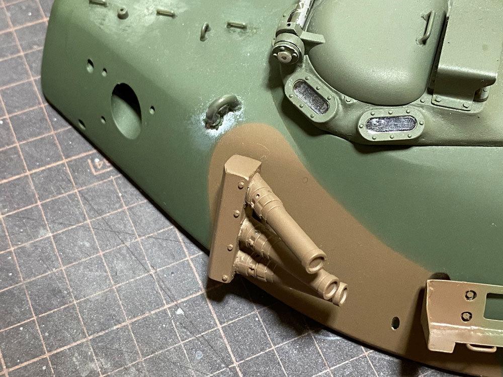 アシェット 74式戦車をつくる 5 (スモークディスチャージャー)_a0352357_14555336.jpg