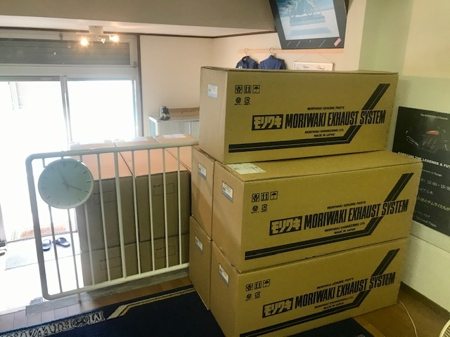モリワキ Z400FX用 復刻手曲げ ショート管 限定生産品 入荷しました!_d0246961_18563363.jpg
