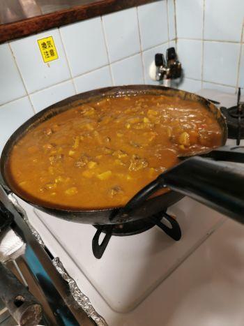 カレーを煮る_a0007462_21085089.jpg