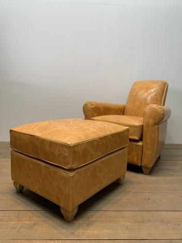 CLUB SOFA & HERRINGBONE SIDE TABLE_c0146581_16590916.jpg