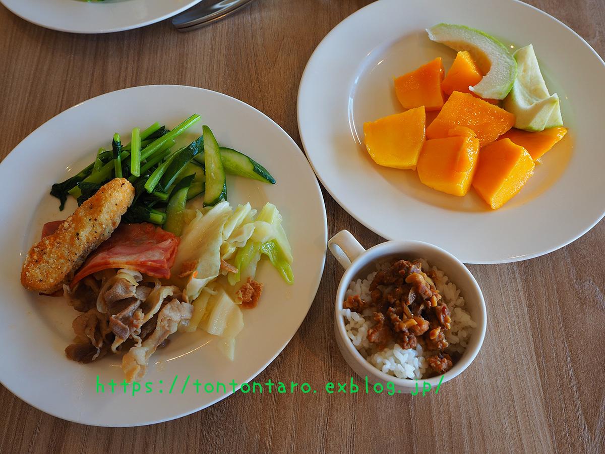 夏だ!マンゴー狩りだ!枋寮の超絶当たりホテル枋客文旅の朝ご飯がそれはもう…_a0112888_03025650.jpg