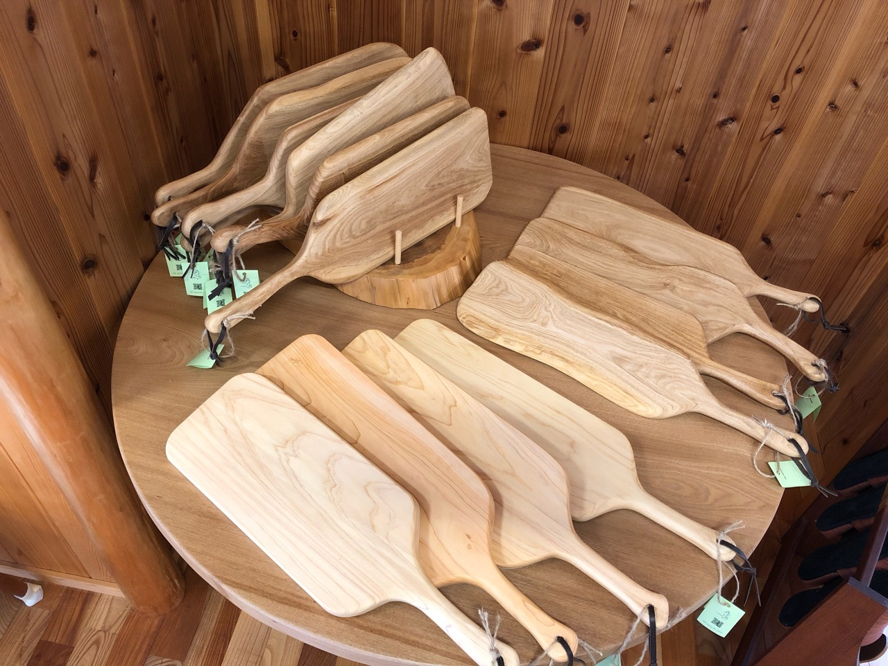 木製のカッティングボード入荷しました!_f0355622_14414558.jpg