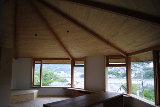 八角形の家 完成見学会のお知らせ_b0216924_03311530.jpg