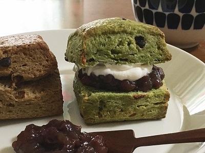 抹茶とほうじ茶のスコーンとレーズン食パン_f0231189_20505452.jpg