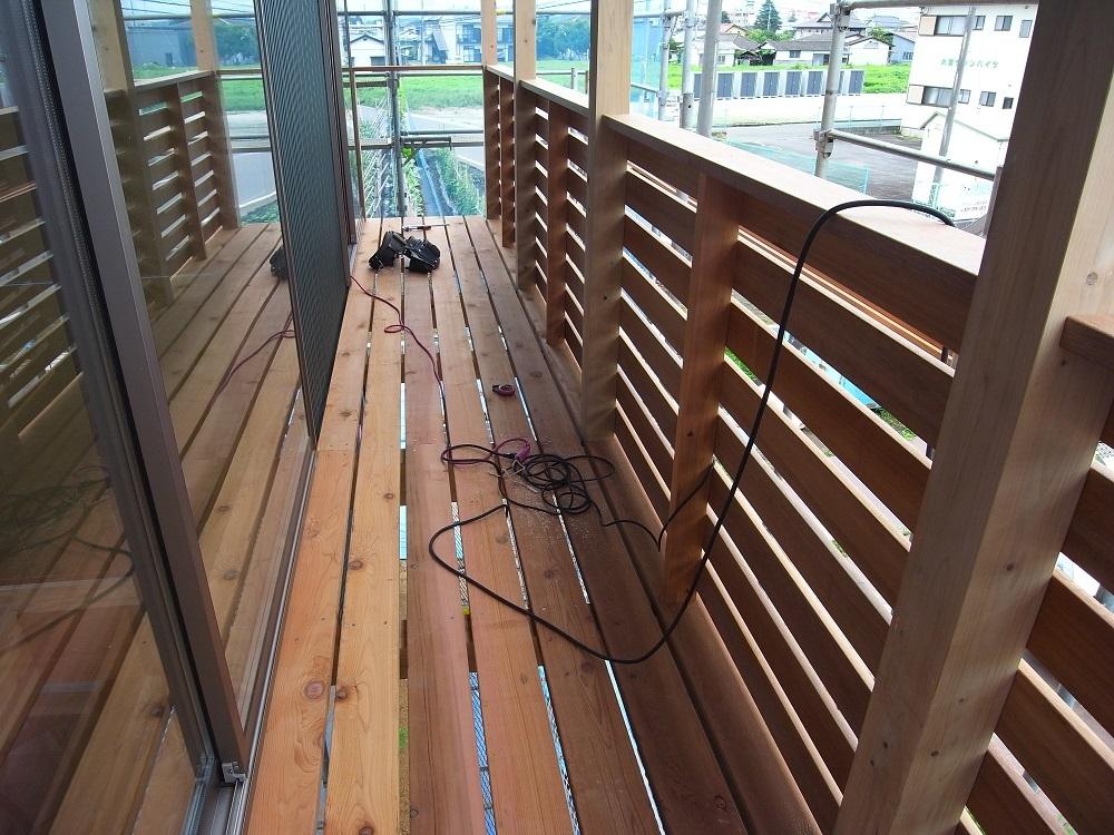抽ヶ台の家 木製バルコン工事 2020/7/17_a0039934_14394342.jpg