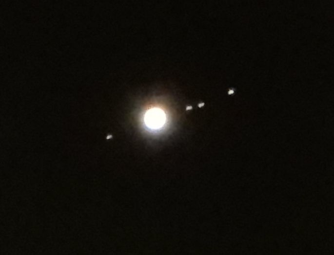 木星と衛星なのか?_c0025115_22323896.jpg