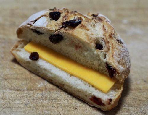 食パン焼きが一段落したのでハード系のパン焼き復活_f0134939_17320748.jpeg