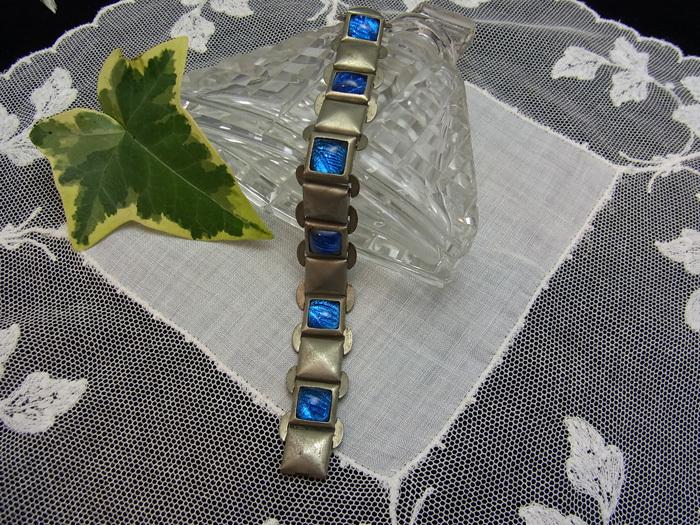 ブルー・ガラスのブレスレット_d0127182_16553460.jpg