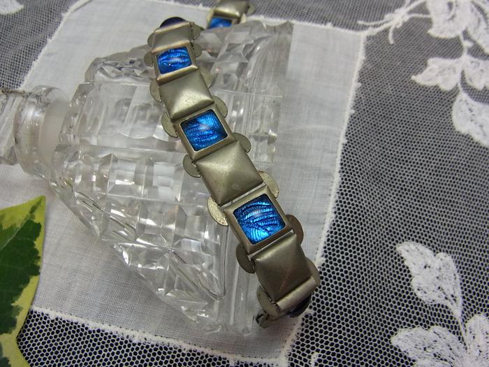 ブルー・ガラスのブレスレット_d0127182_16553953.jpg