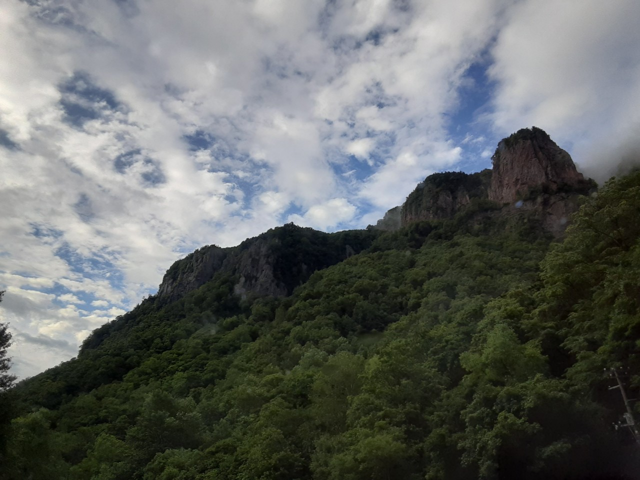 自分史上最大のお花畑!!大雪山の黒岳から赤岳へ_d0198793_08241918.jpg