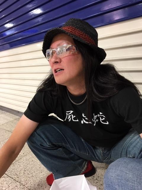 先輩恵比寿氏とビアガーデン→HUBでサッカー観戦→一蘭→駅構内_d0061678_10311413.jpg