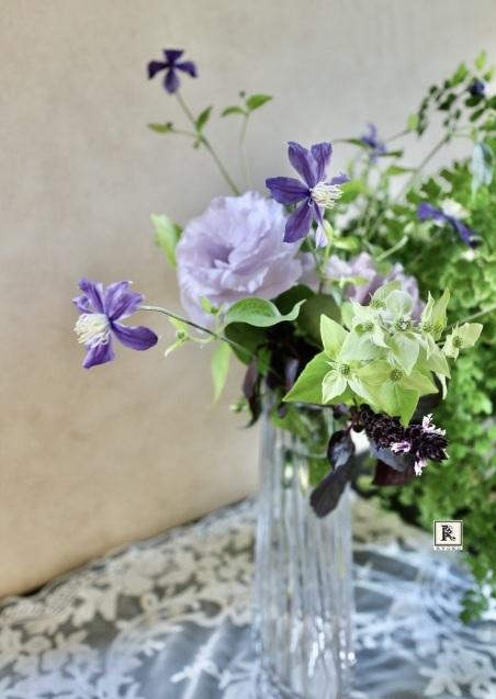 7月 季節のお花便り  このようにも、このようにも活けられます_c0128489_17505347.jpeg