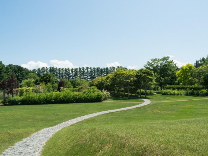 やっと夏日の中札内村、待望のオープン「中札内美術村」_f0276498_22405731.jpg