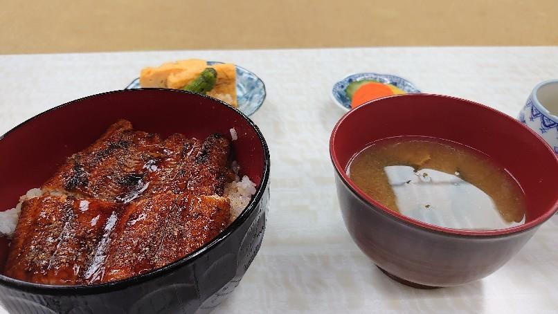 小川屋さんのうな丼_b0237229_17113678.jpg
