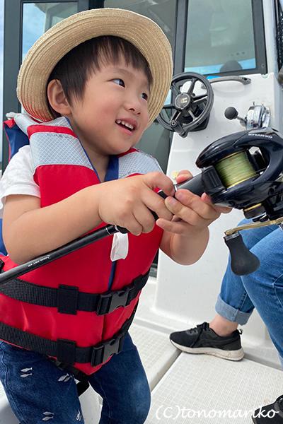 プチモンスターの海釣り夏休み_c0024345_11313559.jpg