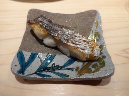 渋谷「熟成鮨 万」へ行く。_f0232060_13104783.jpg