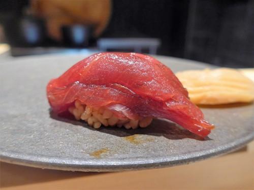 渋谷「熟成鮨 万」へ行く。_f0232060_13141828.jpg