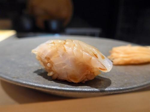 渋谷「熟成鮨 万」へ行く。_f0232060_13192410.jpg