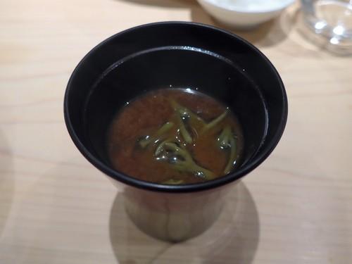 渋谷「熟成鮨 万」へ行く。_f0232060_13305149.jpg