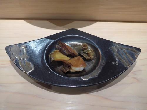 渋谷「熟成鮨 万」へ行く。_f0232060_1351919.jpg