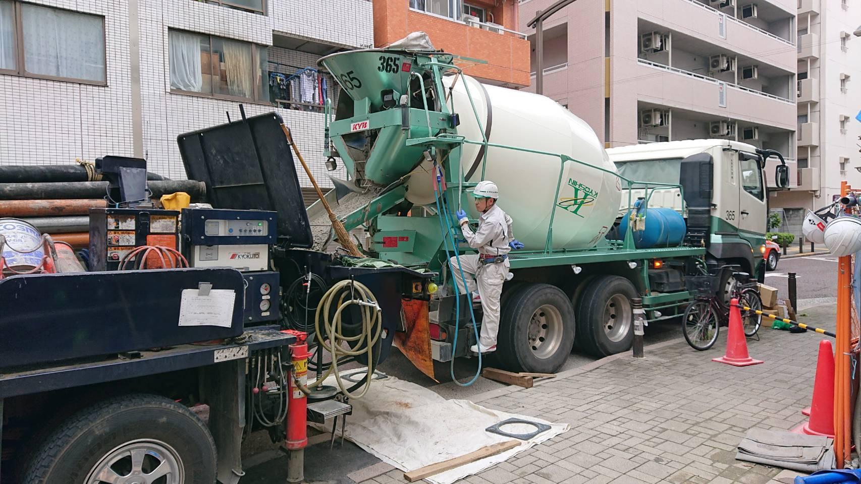 建築施工-コンクリート打設_e0254682_11105807.jpg